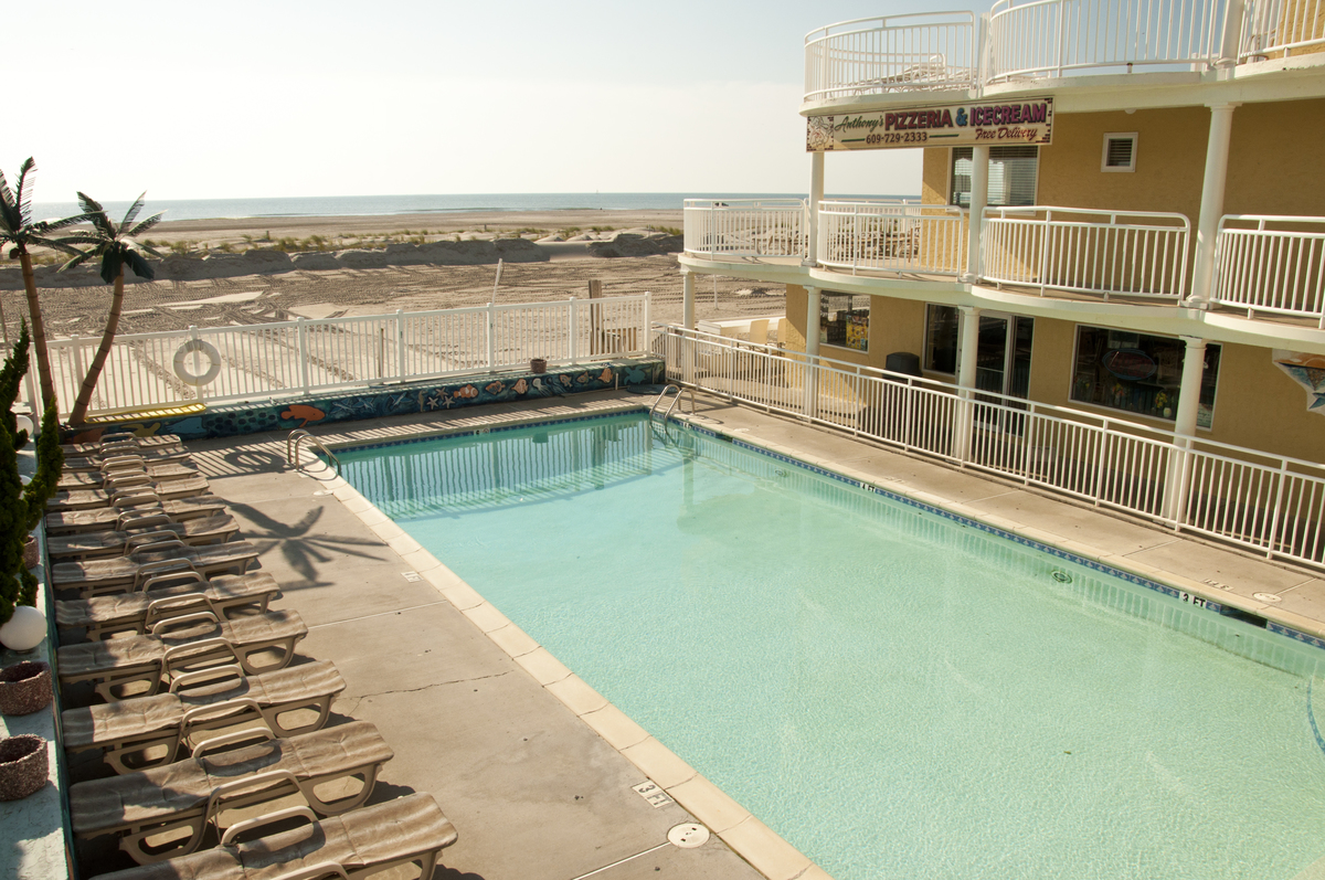 This is an property image of the Coliseum Ocean Resort